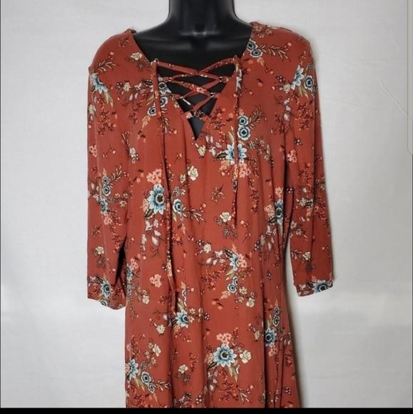 BeBop Dresses & Skirts - Floral Tie Up Dress
